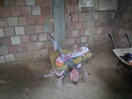 Mulher é presa por abandonar filha de três meses. Bebê foi encontrada morta em Japeri
