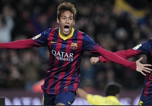 Neymar admite inchaço no pé e revela