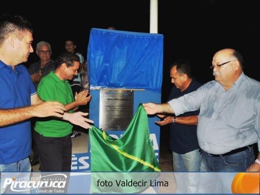 Prefeito de Piracuruca Dr. Raimundo Alves inaugura Arena Esportiva