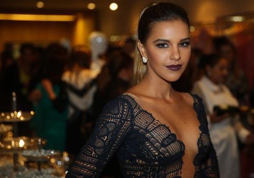 Decotadíssima, Mariana Rios vai a inauguração de loja em São Paulo