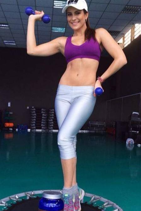 Ex-BBB e Miss Brasil,  Kamila muda treinos e  dieta para