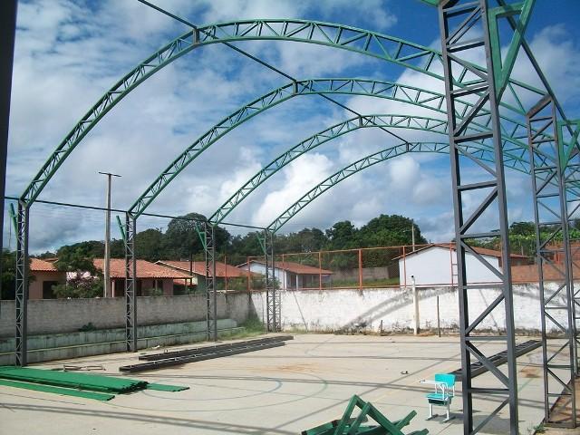 Jatobá do Piauí: Cobertura de quadra anda em ritmo acelerado