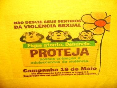 Campanha 18 de maio arrasta multidão em  passeata de conscientização