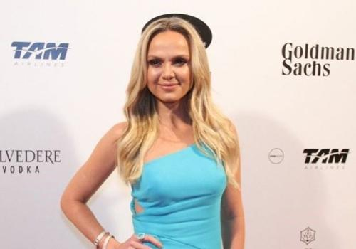 Eliana nega romance com o cantor Léo Santana: