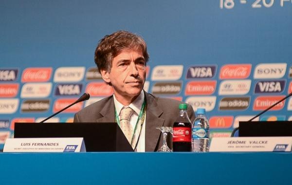 Secretário nega aumento de custo de arenas e se diz surpreso com Ronaldo