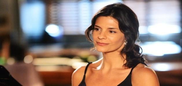 Aos 48, Helena Ranaldi diz que nunca fez plástica: 'Menos é mais'