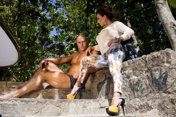 Ex-BBB Michelly mostra corpo sarado em ensaio para revista