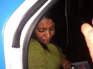 Mulher é presa após confessar que queimou casa e matou o marido