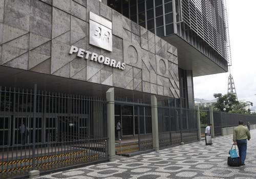 Demissão voluntária atrai 8 mil na Petrobras; gasto pode cair R$ 13 bi