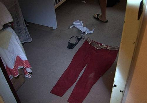 Imagens mostram interior da casa onde jovem foi encontrada esquartejada