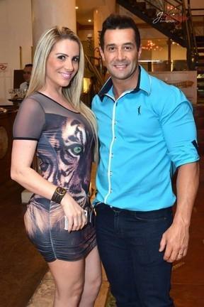 Marcos Oliver vai deixar a prisão nesta sexta-feira, diz sua esposa Fabíola