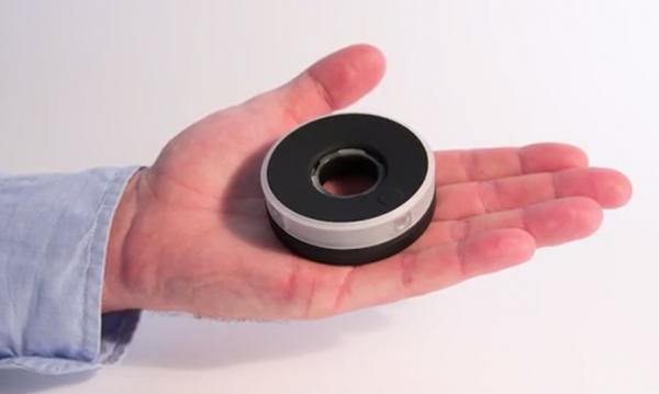 Câmera em formato redondo captura fotos em 360