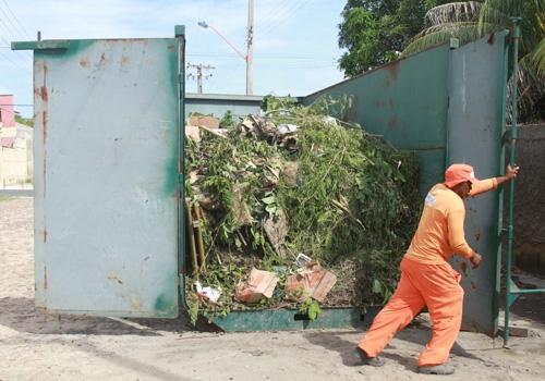 Redução de lixo a céu aberto no bairro Marquês anima os moradores