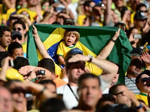 Demanda por TVs para Copa dobra a produção de eletrodomésticos