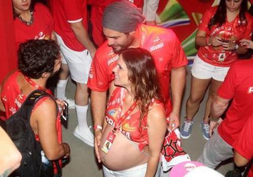 Vanessa Lóes exibe barrigão de grávida e impressiona: