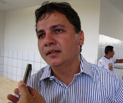 TSE defere registro de candidatura e Everardo Moura retornará ao cargo de prefeito de Isaias Coelho