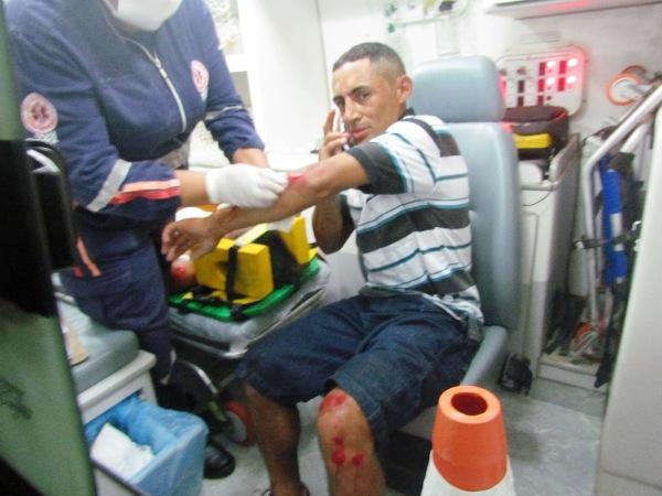 Casal sofre acidente em motocicleta ao bater em animal na BR-343