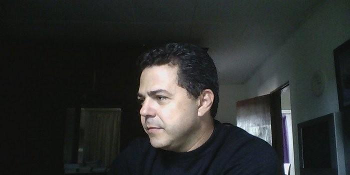 O poeta e letrista Nathan Sousa é matéria deste mês em uma das mais respeitadas revistas de literatura do país