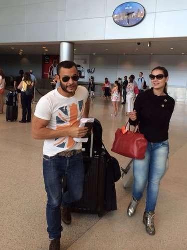 Andressa Urach erra com jeans justo em aeroporto; veja gafes e acertos