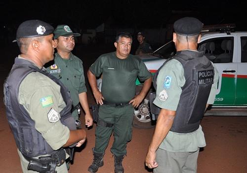Jovem drogado ataca e fere irmão com faca e ameaça matar pai e mãe em José de Freitas