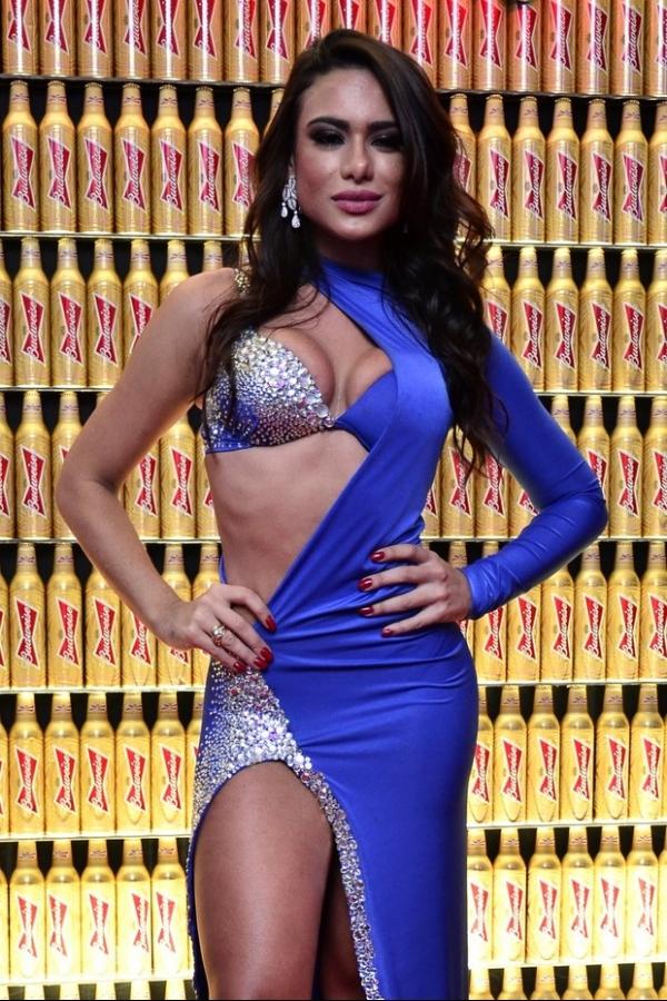 Patricia Jordane, ex-affair de Neymar, lança ensaio nu com look de R$ 18 mil