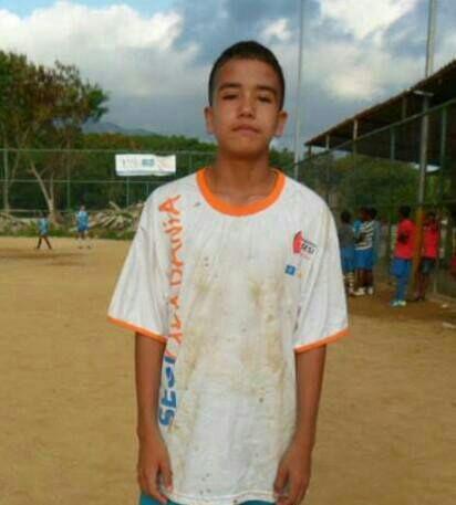 ?Ele pediu para não morrer?, diz pai de menino baleado durante confronto entre policiais e bandidos na Cidade de Deus   Leia mais: http://extra.globo.