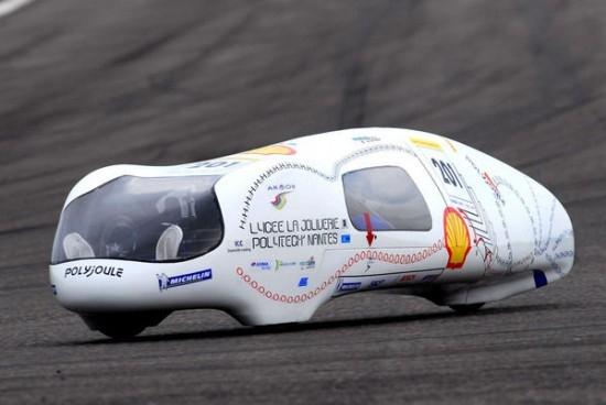 Estudantes franceses inventaram carro que anda mais de 3.200 km com apenas um litro de combustível