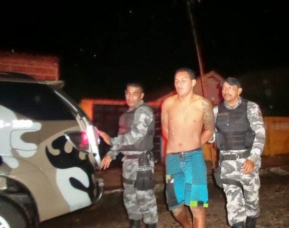Irmãos são presos acusados de atirar em três pessoas no litoral do Piauí