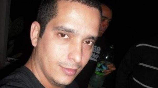 Taxista escreve que está chateado e desaparece após festa com amigos