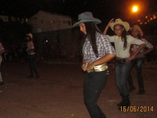 Festa Junina Realizada pelo CRAS - Imagem 11