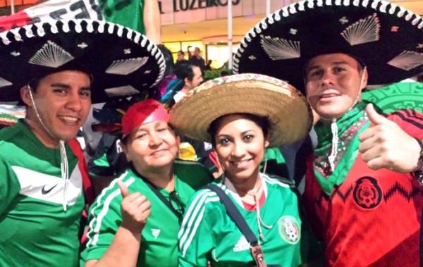 Em Fortaleza, torcida do México faz festa e provoca: