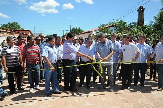 Manoel Emídio inaugura Casa da Juventude com a presença do Governador Zé Filho - Imagem 3