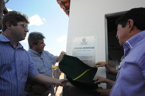Manoel Emídio inaugura Casa da Juventude com a presença do Governador Zé Filho - Imagem 6