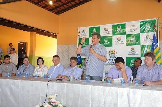 Manoel Emídio inaugura Casa da Juventude com a presença do Governador Zé Filho - Imagem 5