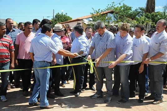 Manoel Emídio inaugura Casa da Juventude com a presença do Governador Zé Filho - Imagem 4