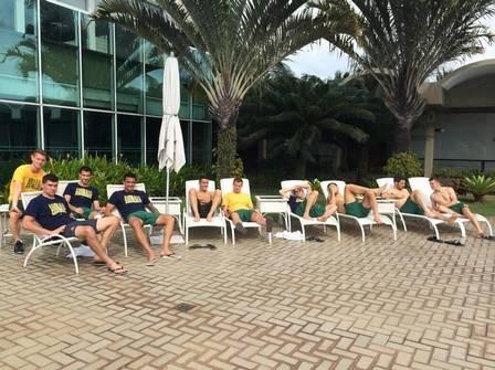 Copa 2014: No dia seguinte à eliminação, jogadores da Austrália curtem piscina