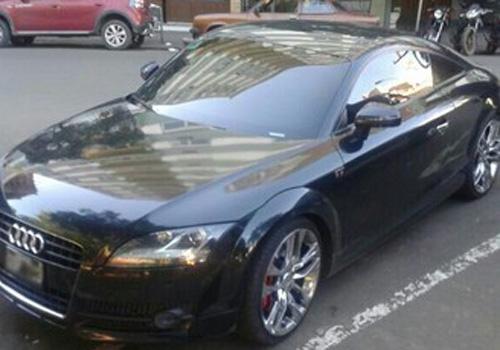 Gremista é parado com 71 multas por excesso de velocidade e paga R$ 8 m