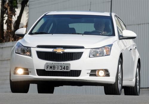 Chevrolet Cruze Sport6, esquecido pela cr咜ica,  hatch m馘io de respeito