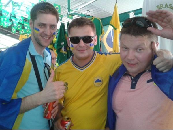 Ucranianos ganham viagem para a Copa e aprovam a cerveja do Brasil