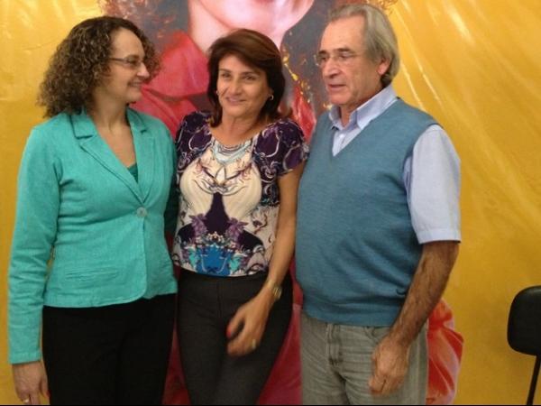 Em convenção, PSOL lança a ex-deputada Luciana Genro (RS) para disputar a Presidência