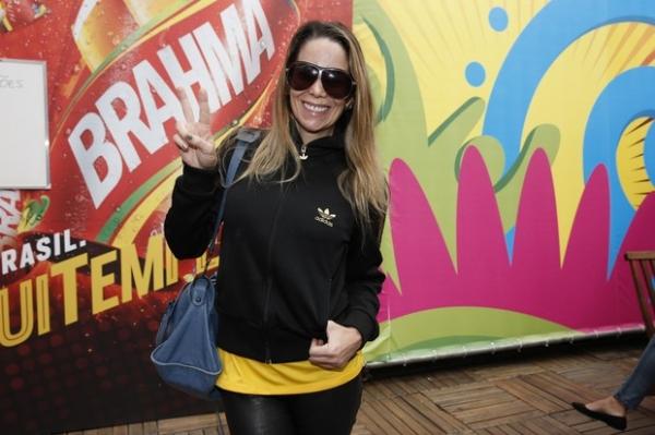 Famosos se encontram em camarote  no Maracanã para ver partida da Copa