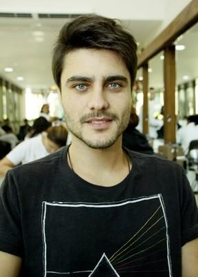 Guilherme Leicam é espancado por pai de aniversariante