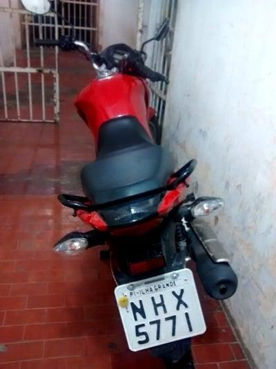Homem é flagrado pela PM furtando moto no centro de Parnaíba