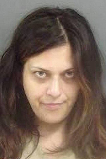 Mulher é presa por invadir casa e se esconder nua no armário, nos EUA