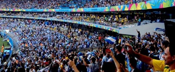Prisão e festa de argentinos marcam terceiro jogo da Copa no Mineirão