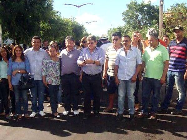 Prefeito recebe deputado Gustavo Neiva e secretário Avelino Neiva no município - Imagem 7