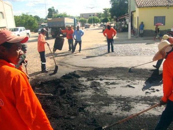 Prefeito recebe deputado Gustavo Neiva e secretário Avelino Neiva no município - Imagem 5