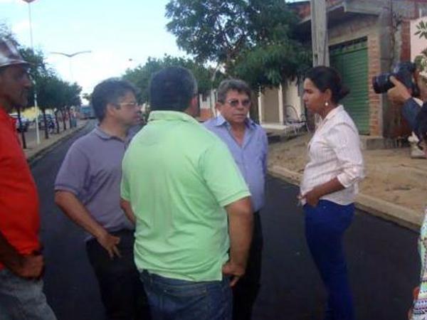 Prefeito recebe deputado Gustavo Neiva e secretário Avelino Neiva no município - Imagem 1