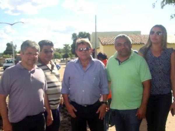 Prefeito recebe deputado Gustavo Neiva e secretário Avelino Neiva no município - Imagem 6