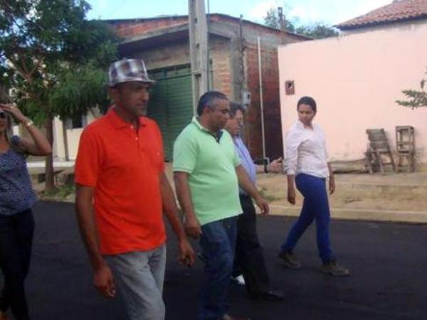 Prefeito recebe deputado Gustavo Neiva e secretário Avelino Neiva no município - Imagem 2